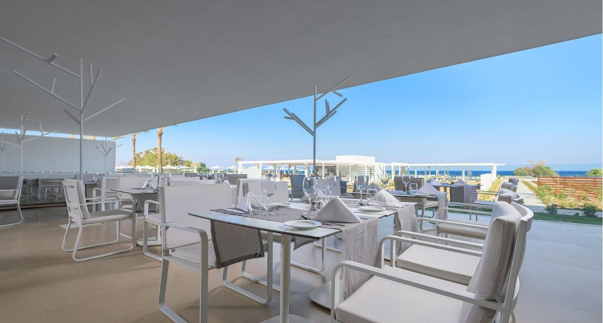 Modern luxury beachside dining area