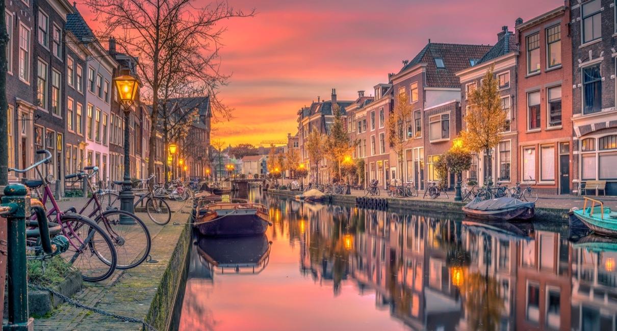 Amsterdam 5*